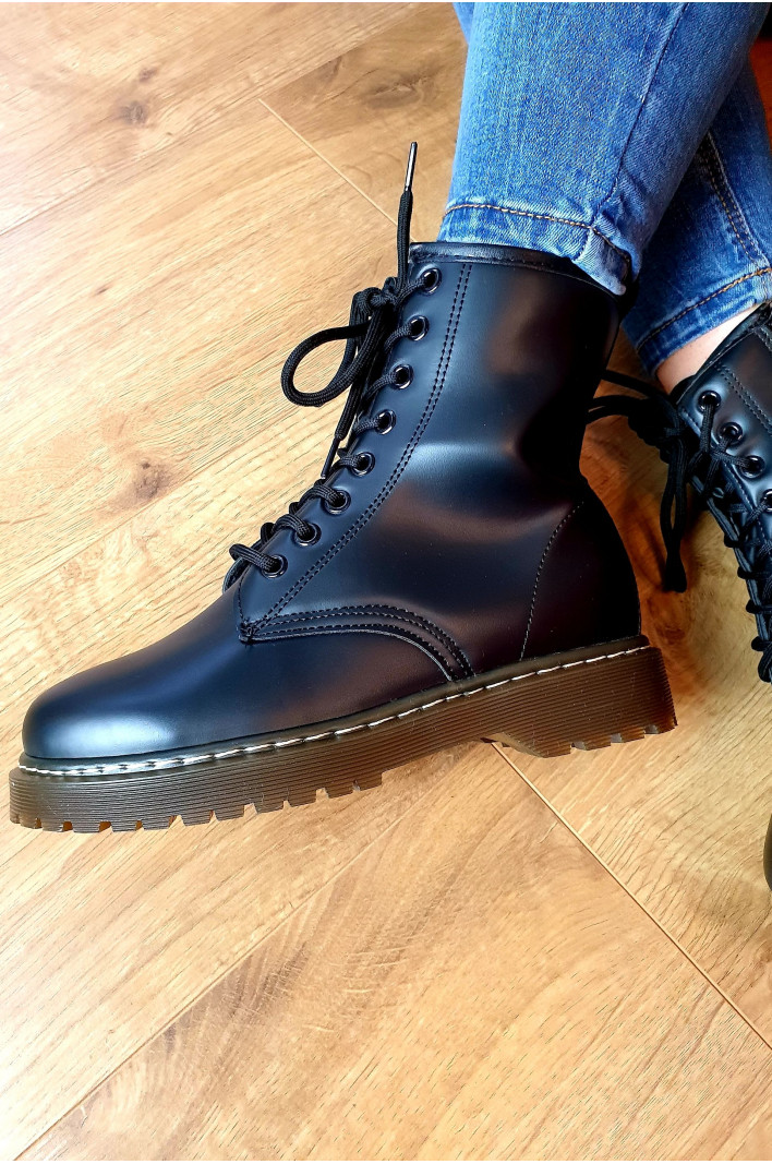 "Bottines noires "" Constance """