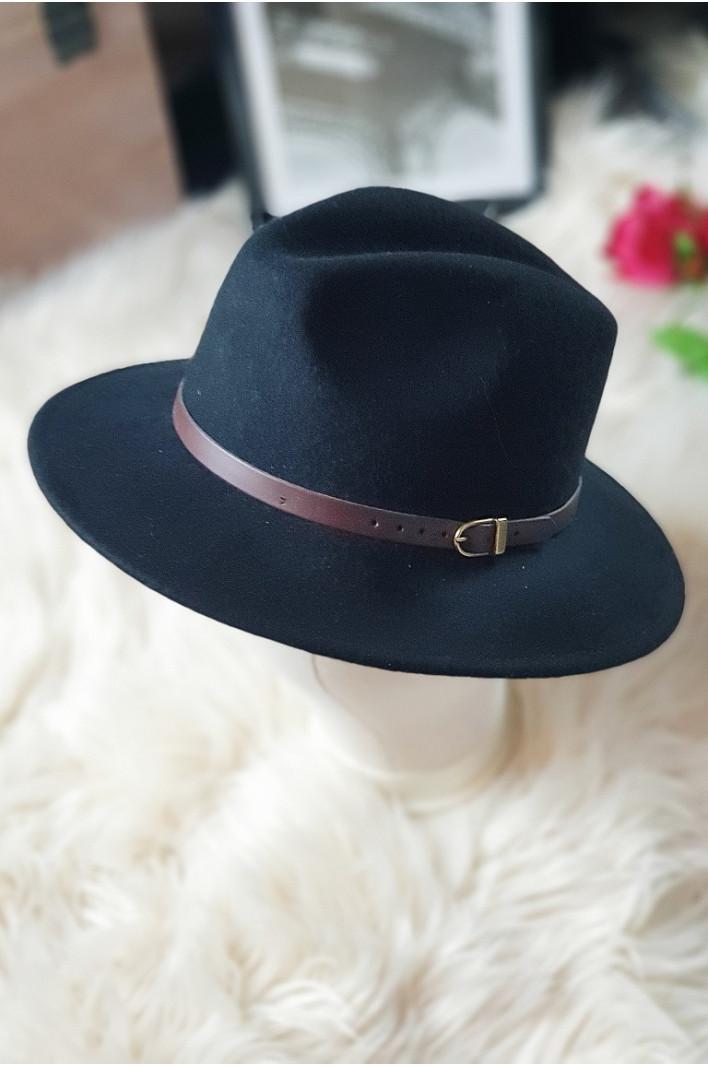 Chapeau en laine noir