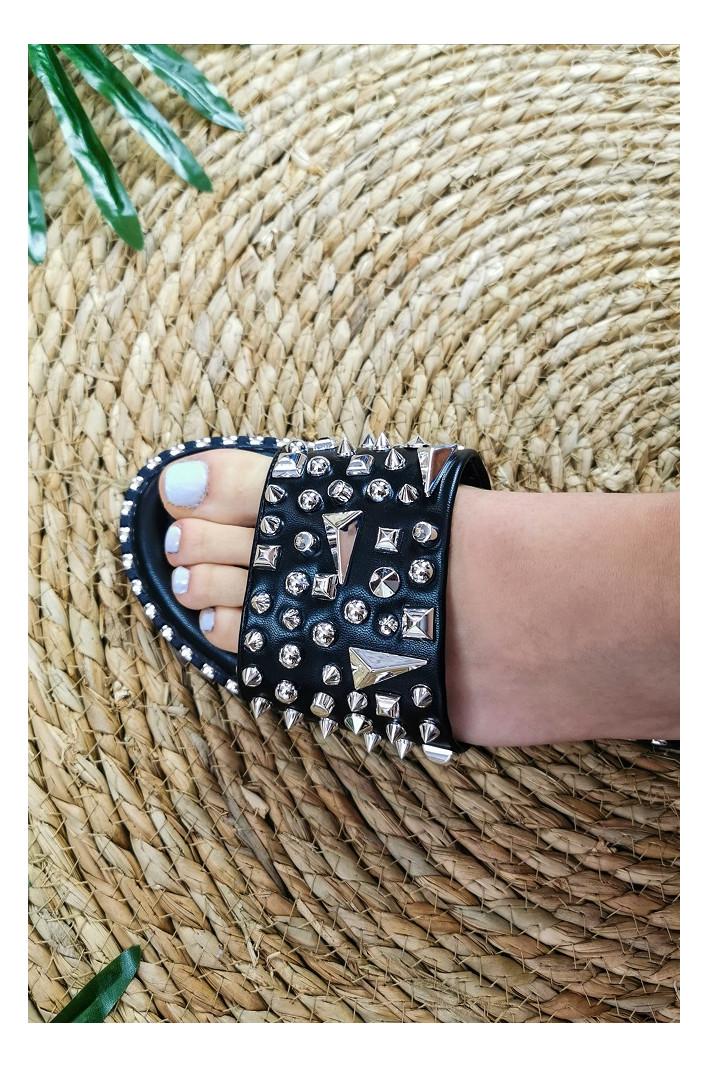 Nu-pieds Lyanna